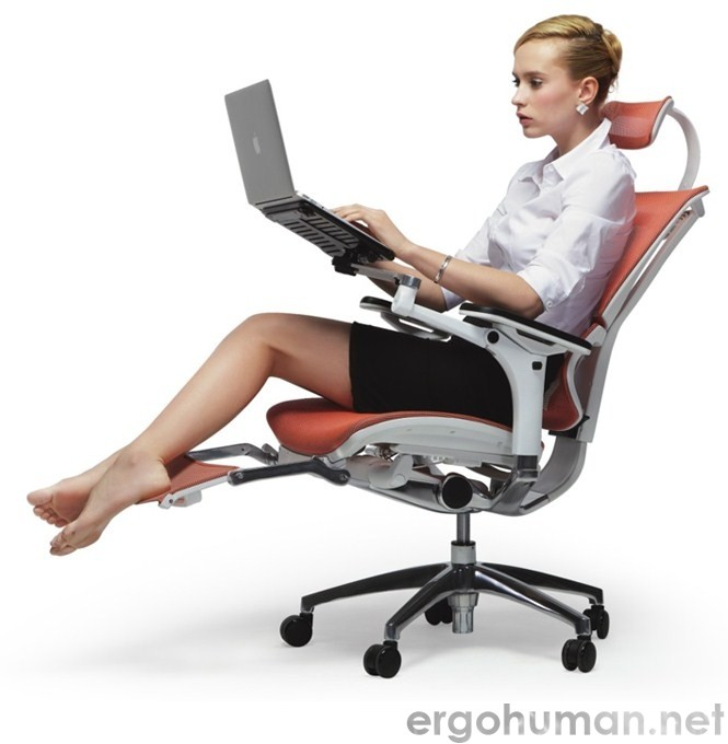 Mirus Office Chair with Leg Rest and Notebook Arm